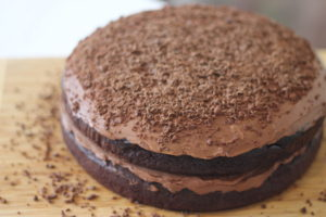 Magic-Chocolate-Cake-Icing-presentation-300x200