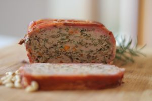 Veggie-Packed-Meatloaf-sliced-300x200